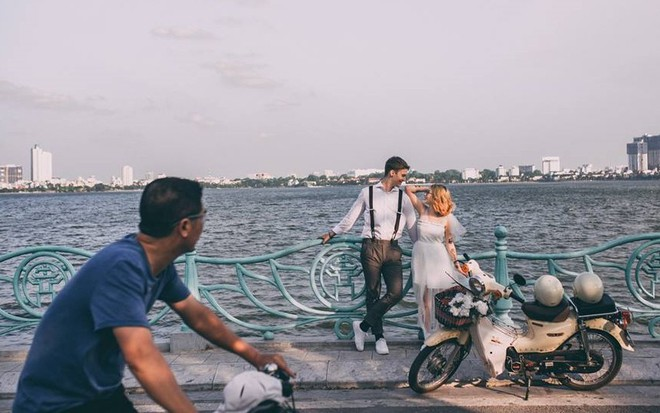 Chuyện tình nóng MXH: Chàng trai Đức bỏ dở tương lai quyết sang Việt Nam cưới cô gái tình cờ quen khi hỏi đường đến quán bia - Ảnh 5.