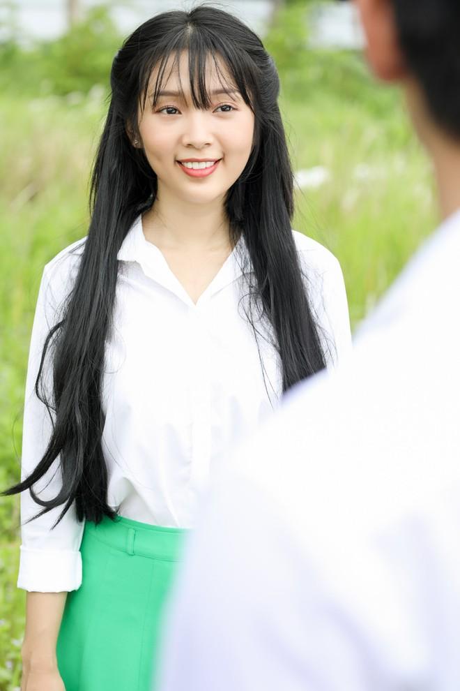 Cuối cùng Mai Tài Phến cũng cướp nụ hôn đầu đời của em gái mưa - Ảnh 2.