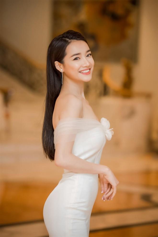 Nhan sắc Song Hye Kyo và nữ chính tin đồn Hậu Duệ Mặt Trời Nhã Phương: Chưa nhận vai đã bị đặt lên bàn cân - Ảnh 22.