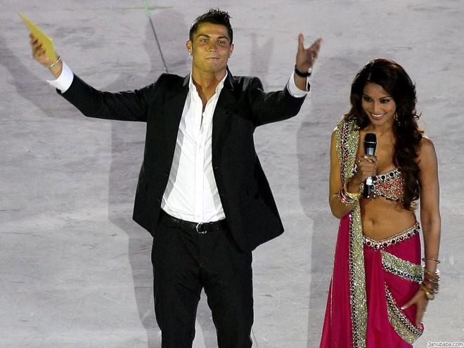 Dù danh sách bạn gái cũ và tình một đêm của Ronaldo đủ lập vài đội bóng nhưng 2 mối tình này thì khắc cốt ghi tâm - Ảnh 5.