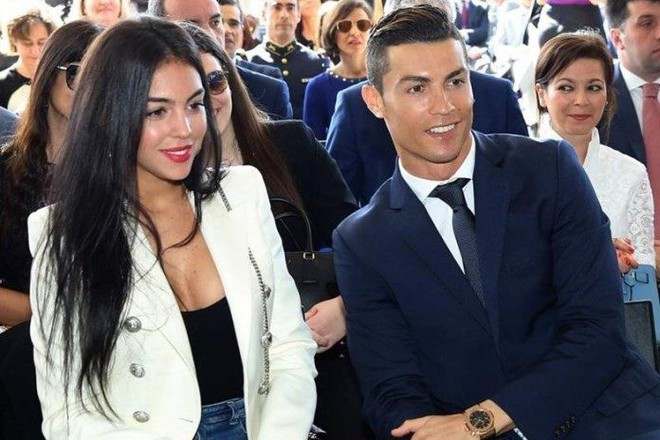 Dù danh sách bạn gái cũ và tình một đêm của Ronaldo đủ lập vài đội bóng nhưng 2 mối tình này thì khắc cốt ghi tâm - Ảnh 13.