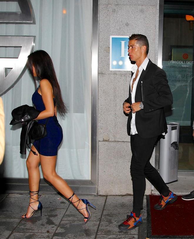 Dù danh sách bạn gái cũ và tình một đêm của Ronaldo đủ lập vài đội bóng nhưng 2 mối tình này thì khắc cốt ghi tâm - Ảnh 10.