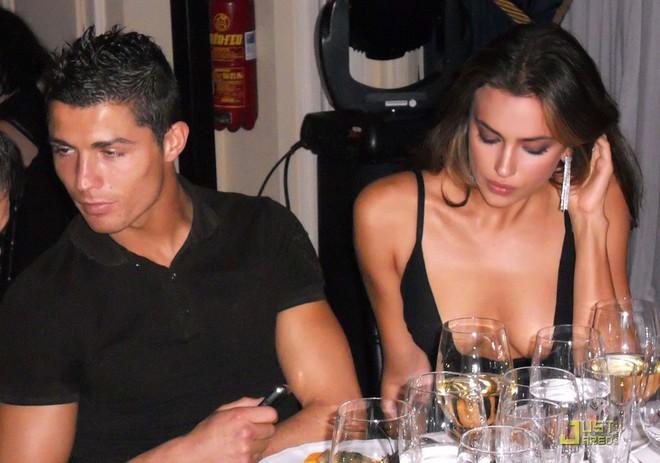 Dù danh sách bạn gái cũ và tình một đêm của Ronaldo đủ lập vài đội bóng nhưng 2 mối tình này thì khắc cốt ghi tâm - Ảnh 9.