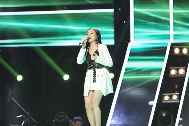 Lam Trường - Noo Phước Thịnh ngồi bệt trên sân khấu, Thu Phương dùng thủ đoạn để giành cô gái xinh đẹp - Ảnh 15.