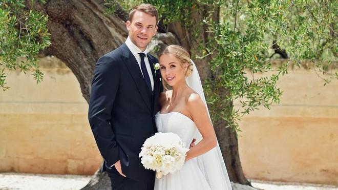 Triệu trái tim tan vỡ vì trai đẹp của đội tuyển Đức - Manuel Neuer đã là chồng người ta rồi! - Ảnh 6.