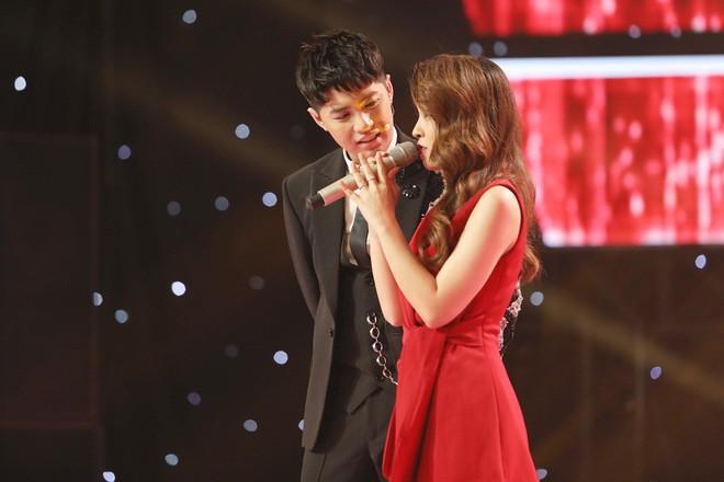 Lam Trường - Noo Phước Thịnh ngồi bệt trên sân khấu, Thu Phương dùng thủ đoạn để giành cô gái xinh đẹp - Ảnh 10.