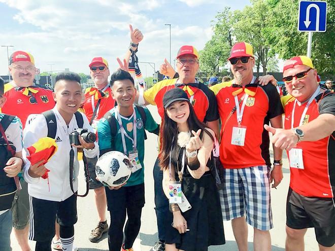 Ngọc Nữ  - cô gái có gương mặt đẹp nhất Hoa hậu Hoàn vũ Việt Nam 2017 - gây bất ngờ khi sang tận Nga cổ vũ tuyển Anh mùa World Cup - Ảnh 2.