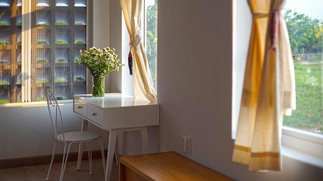 Ngôi nhà một tầng mang hương biển đẹp như mơ khiến cặp vợ chồng trẻ sẵn sàng bỏ phố về ngoại ô Sài Gòn - Ảnh 13.