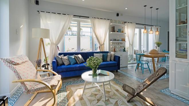 Ngôi nhà một tầng mang hương biển đẹp như mơ khiến cặp vợ chồng trẻ sẵn sàng bỏ phố về ngoại ô Sài Gòn - Ảnh 3.