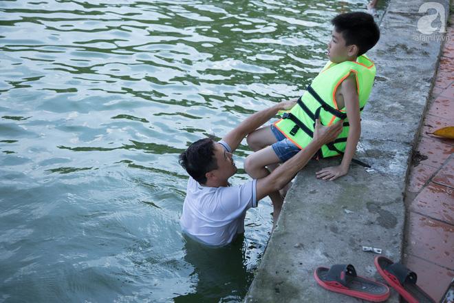 Quốc Oai: Cận cảnh ao làng nghìn năm tuổi thành bể bơi cho trẻ em mỗi chiều hè - Ảnh 3.