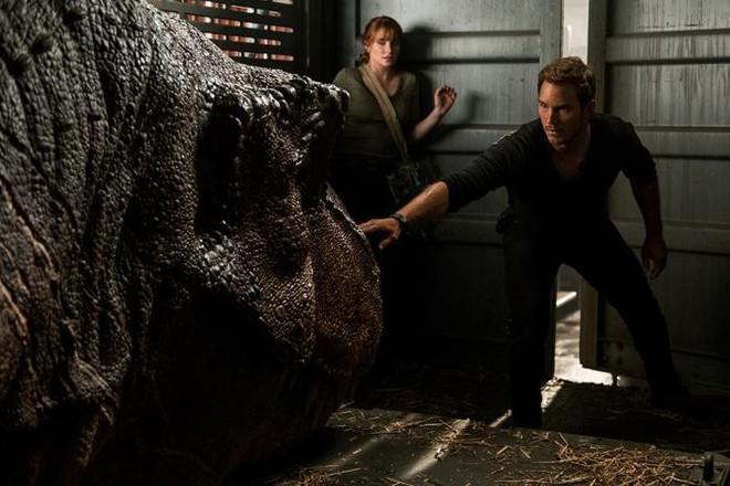 Vén màn bí mật đại phim trường hoành tráng trong bom tấn Thế giới khủng long - Ảnh 8.