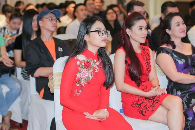 Phương Mỹ Chi xuất hiện phổng phao, mừng Nam Cường làm liveshow 10 năm - Ảnh 5.
