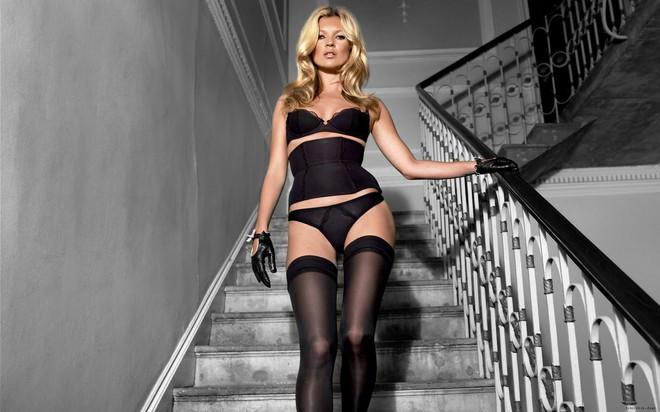 Kate Moss trở thành siêu mẫu đắt giá nhất nước Anh giữ dáng bằng những cách này - Ảnh 5.