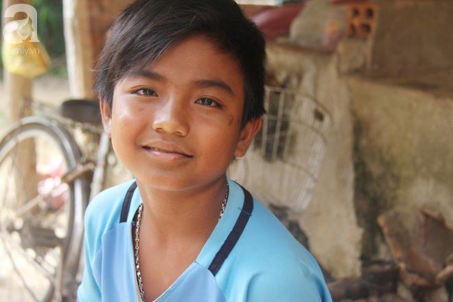 Ước mơ được đến trường của người cậu 10 tuổi phải nghỉ học để đi làm thuê góp tiền chữa bệnh cho cháu gái 7 tháng tuổi - Ảnh 12.