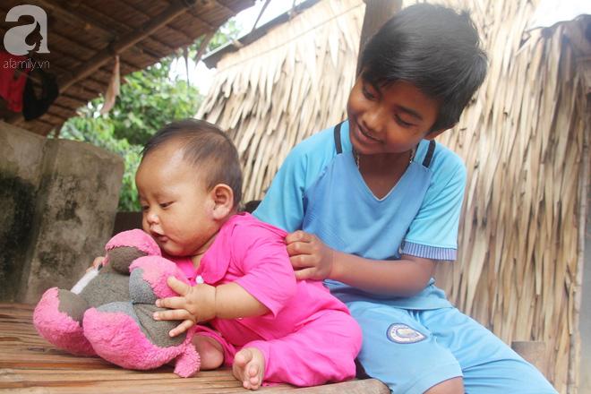 Ước mơ được đến trường của người cậu 10 tuổi phải nghỉ học để đi làm thuê góp tiền chữa bệnh cho cháu gái 7 tháng tuổi - Ảnh 5.