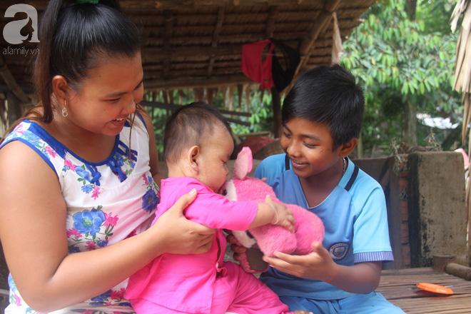 Ước mơ được đến trường của người cậu 10 tuổi phải nghỉ học để đi làm thuê góp tiền chữa bệnh cho cháu gái 7 tháng tuổi - Ảnh 14.