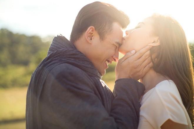 Lương Thế Thành: Soái ca màn bạc 2 lần là người tình của Nhã Phương nhưng vẫn một lòng với cô vợ hậu đậu, nấu ăn dở và cho 300 nghìn tiêu vặt mỗi ngày - Ảnh 6.
