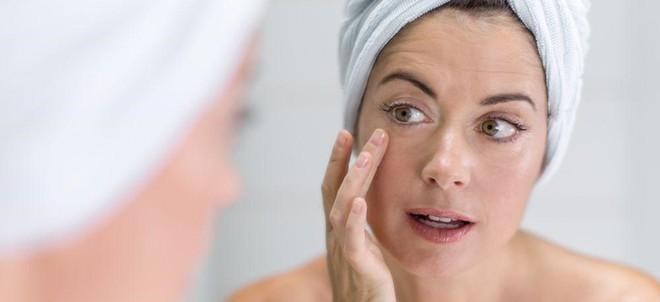 6 nguyên nhân gây ra nếp nhăn không liên quan đến tuổi tác - Ảnh 1.