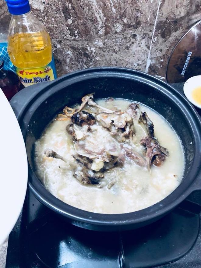 Món cháo chim trắng mồ côi thứ nào ra thứ đó của anh chồng nấu cho vợ an thai khiến dân tình cười rơi rụng - Ảnh 3.