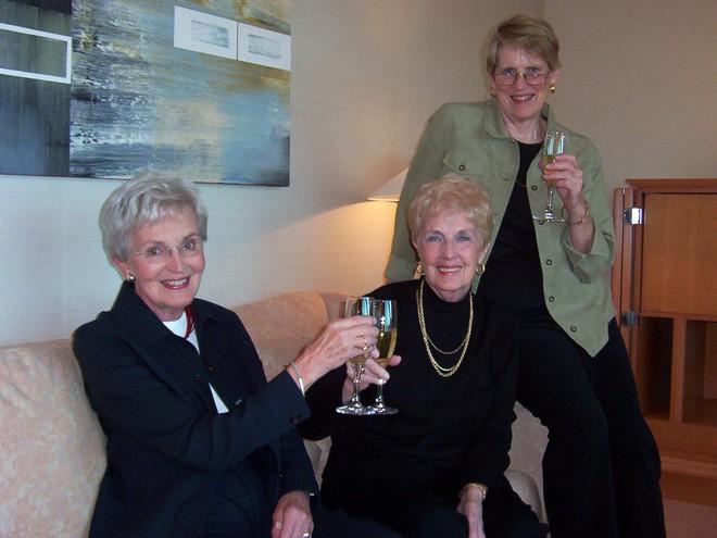 Chỉ có phụ nữ mới mang lại hạnh phúc cho nhau: Cuộc sống nửa thế kỷ mà không cãi vã, giận hờn, ganh ghét của 3 cụ bà - Ảnh 4.