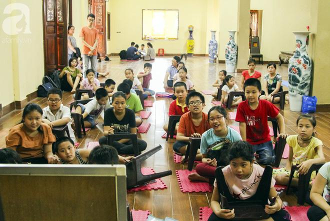 Mục sở thị lớp học tiếng Anh miễn phí nơi cửa Phật giữa lòng Thủ đô - Ảnh 4.
