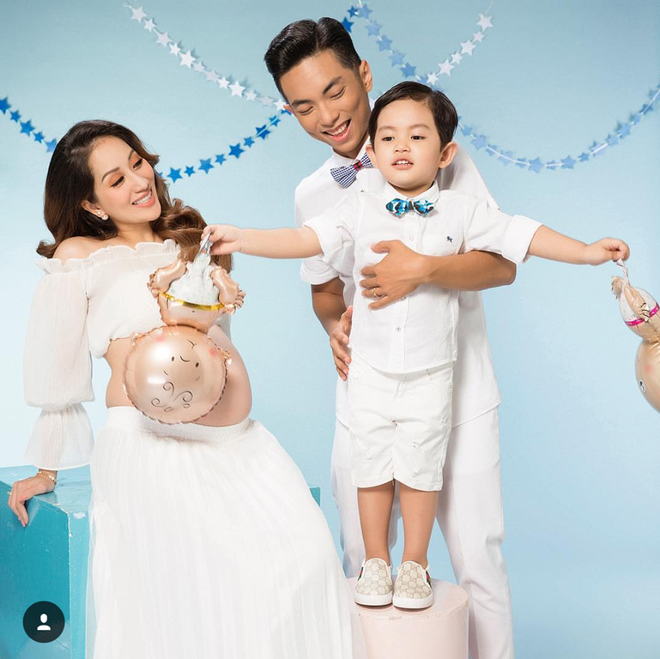 Xúc động xem cảnh Phan Hiển chiều chuộng Khánh Thi trong bộ hình gia đình trước ngày lâm bồn - Ảnh 2.
