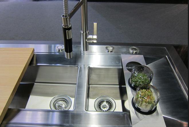 Muốn nhà sạch tự nhiên không hóa chất, bạn cần học ngay 7 cách pha chế dung dịch tẩy rửa lành mạnh này - Ảnh 4.
