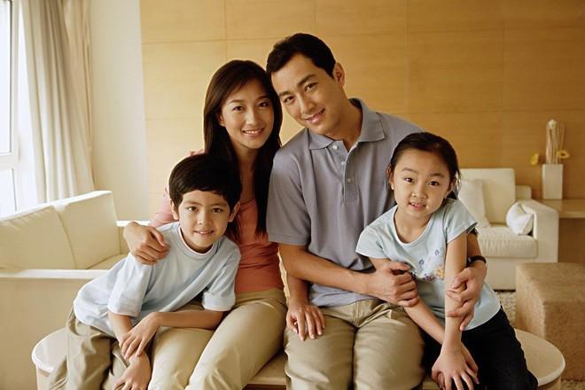 Bước vào cuộc hôn nhân mới với những đứa con riêng, bố mẹ đừng quên áp dụng 6 bí quyết vàng này - Ảnh 1.