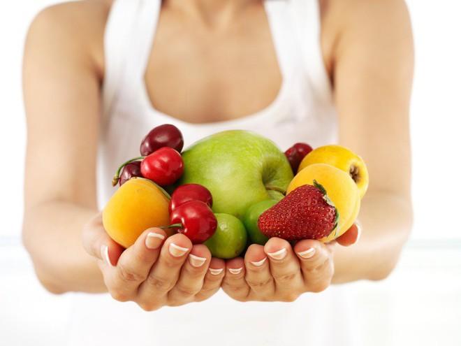 Giải mã những hiểu lầm: Nên và không nên ăn trái cây khi nào, có nên ăn trái cây buổi tối không? - Ảnh 2.