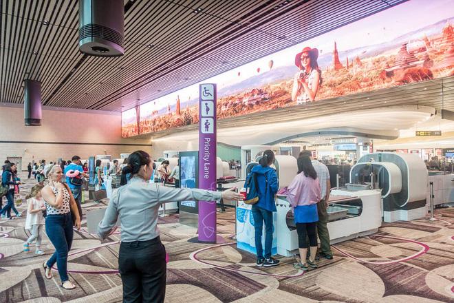 Changi có nhiều tiện nghi mua sắm, giải trí thế này, bảo sao luôn nằm trong top sân bay được ưa thích nhất thế giới - Ảnh 10.