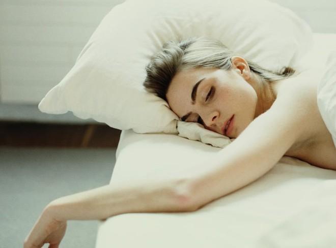 Ngưng nằm sấp khi ngủ nếu không muốn gặp phải những vấn đề sức khỏe nghiêm trọng - Ảnh 4.