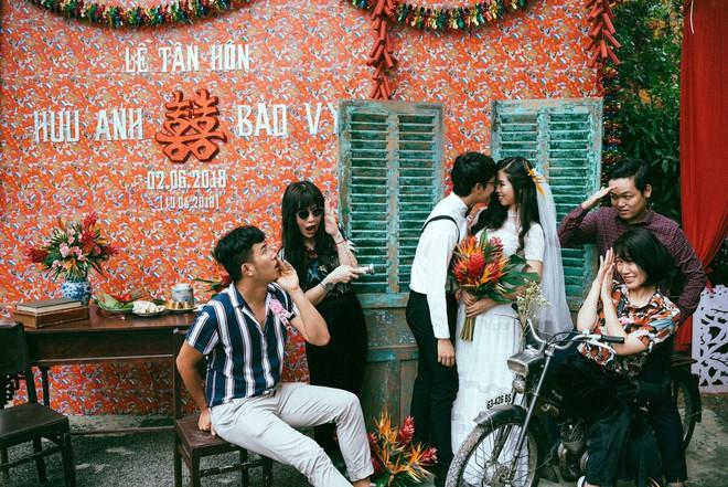 Chàng quản lí của Chi Pu dựng rạp làm đám cưới style ông bà anh vừa chất, vừa vui ngất - Ảnh 2.