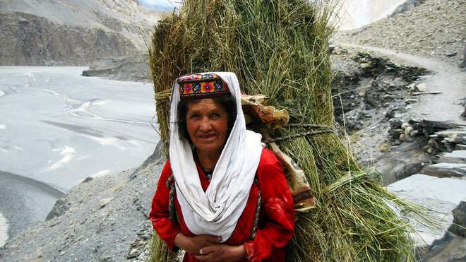 Vùng đất lạ kỳ nơi phụ nữ 60 tuổi vẫn có thể sinh con, 900 năm qua không ai mắc bệnh ung thư - Ảnh 5.