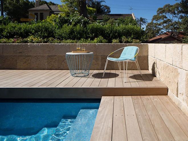 Ngôi nhà có nhiều khoảng sân nhỏ luôn mát rười rượi, thách thức những ngày nắng nóng - Ảnh 3.