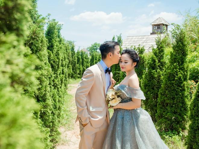 Giận dỗi vì phải tự lo từ trang phục đến chụp ảnh cưới, cô gái phục thù bằng cách cho chú rể mặc váy chụp hình - Ảnh 7.