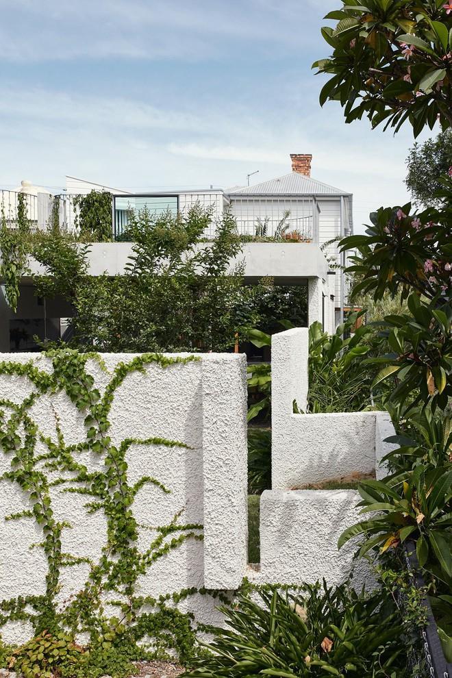 Ngôi nhà ở nông thôn đẹp bình yên và lãng mạn nhờ cải tạo theo phong cách Địa Trung Hải - Ảnh 1.