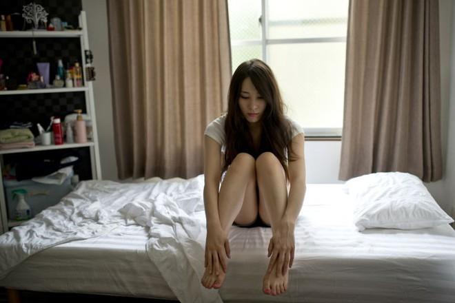 Hội chứng rối loạn tiền kinh nguyệt - căn bệnh khiến cô gái trẻ sống giữa thiên đường - địa ngục và muốn tự tử - Ảnh 2.