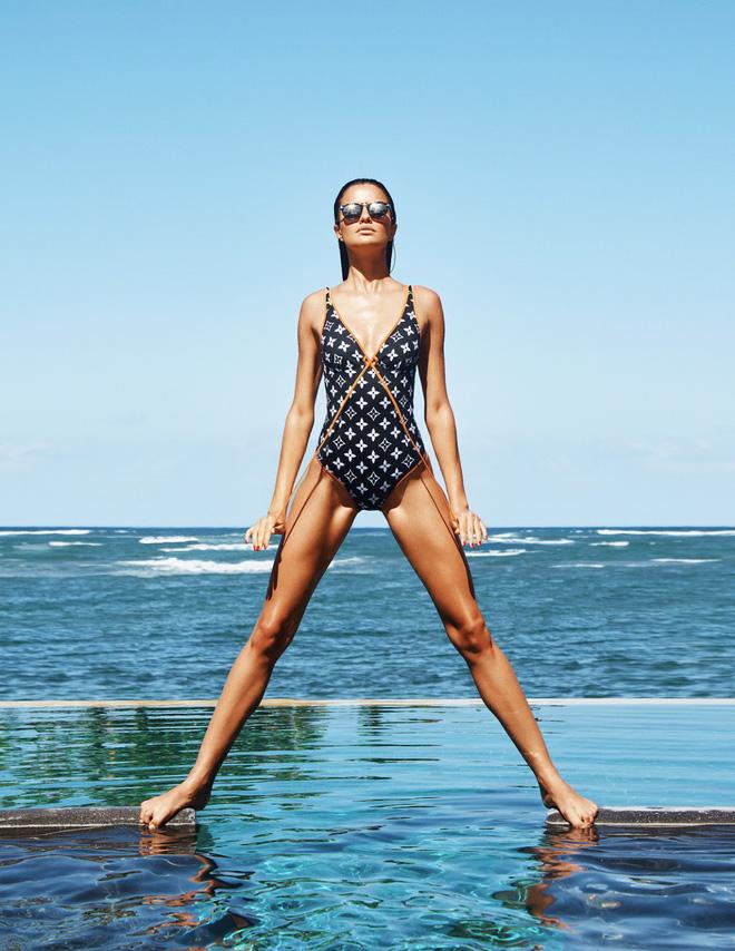 Muốn đẹp như siêu mẫu Barbara Fialho, chị em nên tập tạ theo cách này để giữ dáng - Ảnh 13.
