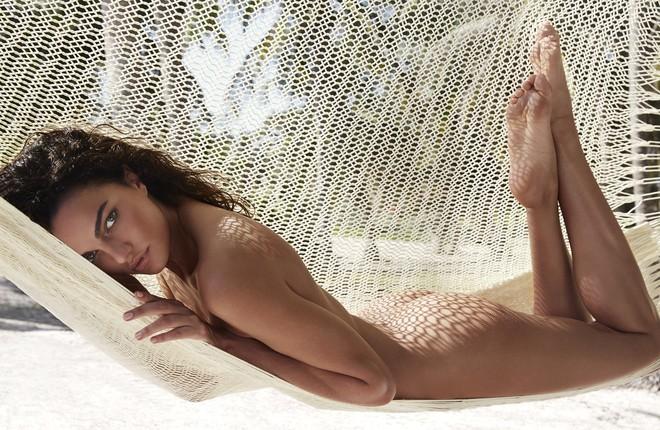 Muốn đẹp như siêu mẫu Barbara Fialho, chị em nên tập tạ theo cách này để giữ dáng - Ảnh 8.
