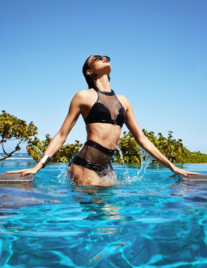 Muốn đẹp như siêu mẫu Barbara Fialho, chị em nên tập tạ theo cách này để giữ dáng - Ảnh 10.