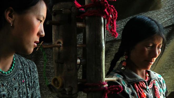 Vùng đất kỳ lạ nơi đàn ông được phép trao đổi vợ thoải mái với người khác - Ảnh 10.