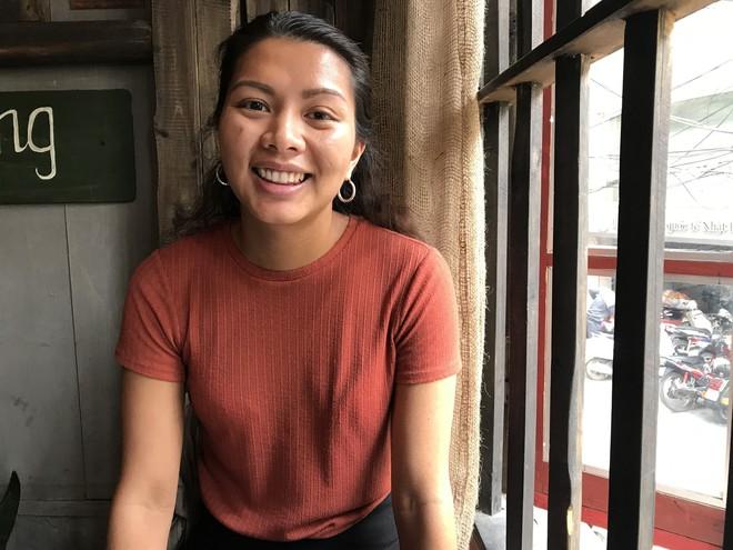Được cho đi làm con nuôi người Thụy Điển từ khi vài ngày tuổi, cô gái Việt trở lại Hà Nội để tìm mẹ ruột - Ảnh 2.