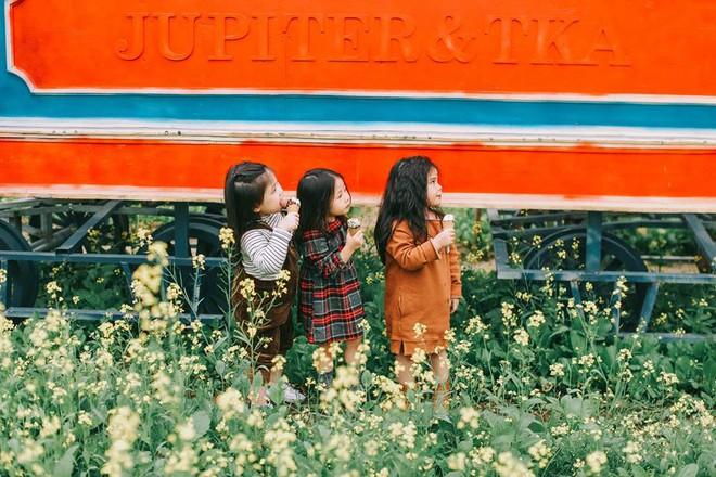 Bộ ba bạn thân Mầm - Mũm - Mon xuất hiện siêu yêu trong bộ ảnh chụp trên cánh đồng hoa cải - Ảnh 23.