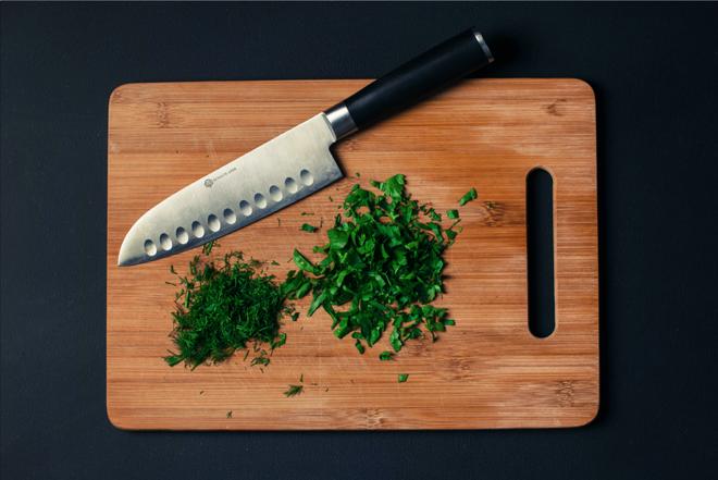 7 mẹo hay để những con dao nhà bạn luôn sắc bén như mới - Ảnh 4.