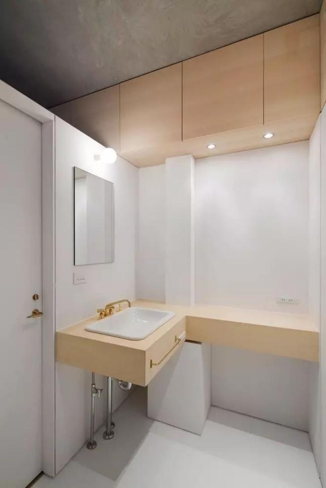 Căn hộ 62m² đẹp cuốn hút và gọn gàng với hàng trăm ngăn tủ của đôi vợ chồng trẻ ở Nhật - Ảnh 5.