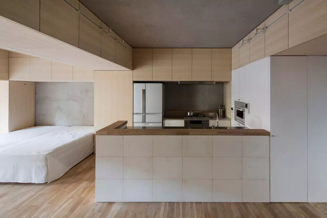 Căn hộ 62m² đẹp cuốn hút và gọn gàng với hàng trăm ngăn tủ của đôi vợ chồng trẻ ở Nhật - Ảnh 6.