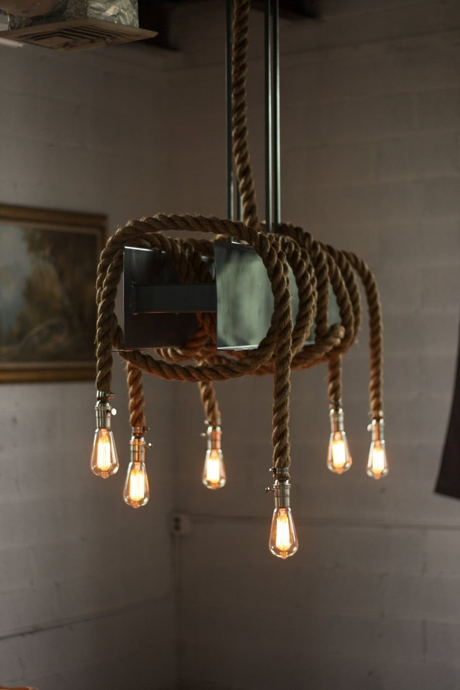 3 cách trang trí nhà bằng bóng đèn chiếu cực chất dành cho những người phong cách - Ảnh 1.