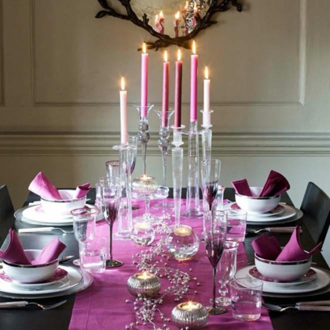 5 cách giúp bàn ăn đẹp lãng mạn và ấm cúng trong những ngày đầu năm - Ảnh 2.