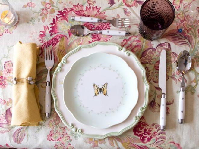 5 cách giúp bàn ăn đẹp lãng mạn và ấm cúng trong những ngày đầu năm - Ảnh 12.