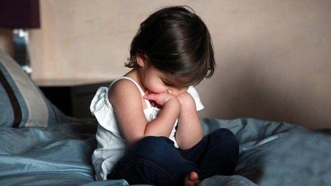 Trẻ hay bị đánh đòn dễ trầm cảm, hung hăng hơn và đây là 2 cách xử lý hay cho cha mẹ - Ảnh 2.